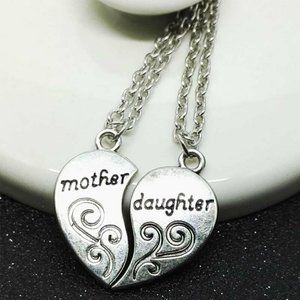 Silver Mother Daughter 2 Piece Heart Necklace NEW